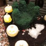Hand Hedge, Flickering Pumpkins & Cotton Candy Fog