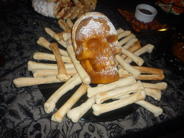 Skull Pound Cake by Ashlyn