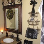 Elegant Spiderweb Bathroom Decor