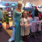Last fan photo or we'll never get back to Disneyland! I loved her balloon sculpture Elsa!