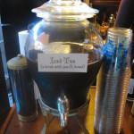 Iced Tea (a drink with jam & bread)
