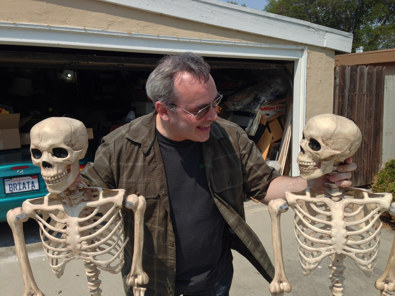 Ghoulish Glen consulting the skeletons