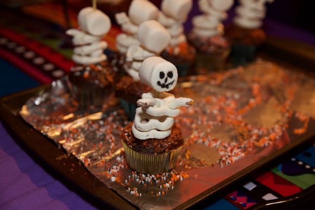 Erica's adorable pretzel skeleton cupcakes!