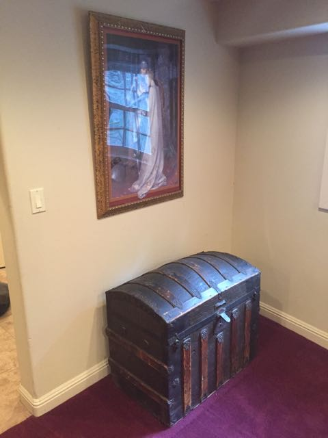 Very normal room but a cool antique chest like mine!