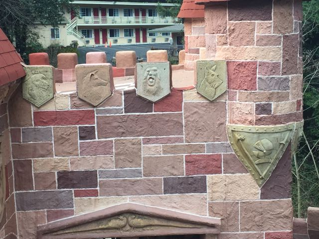The embossed shields are a nice touch around the ramparts.