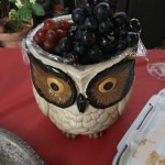 Another owl serving grapes